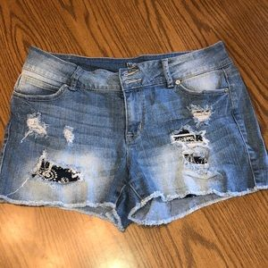 Maurices distressed shorts